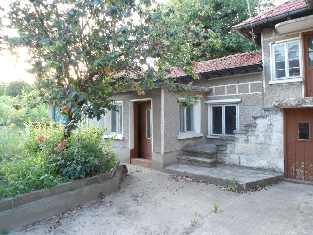 Къща в кв. Долапите 20,600€