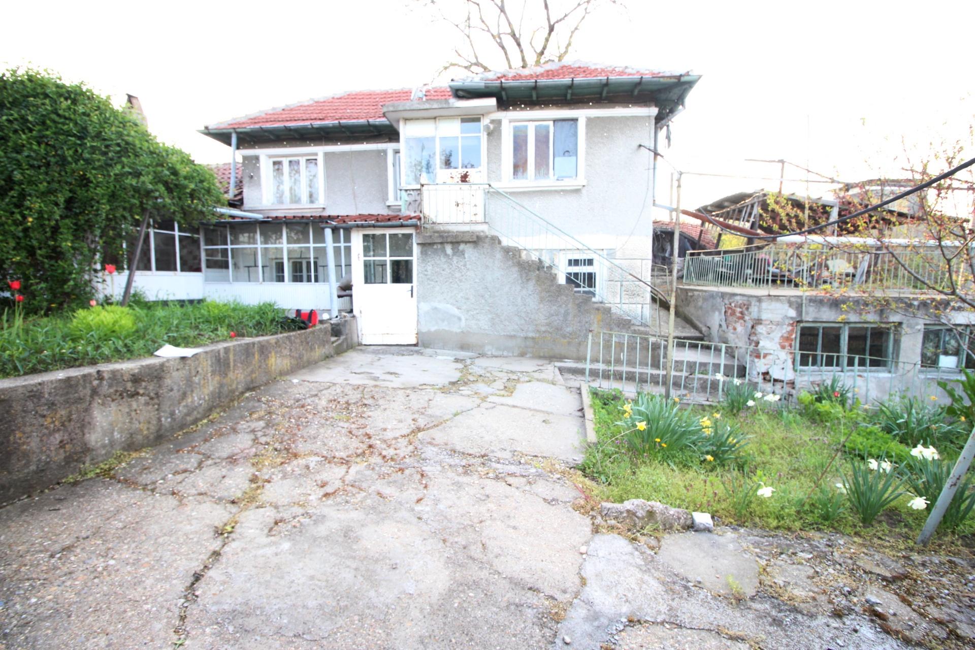 Къща в кв. Долапите, 39,900€